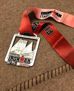 筆者がIRONMANイタリア完走したときのメダル